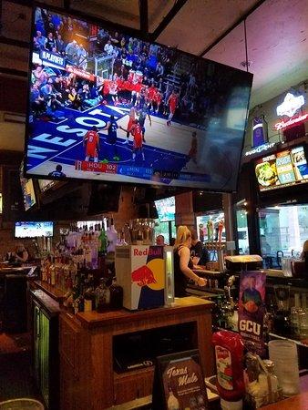 Phoenix, AZ: Majerle's Sports Grill and the 9 Lounge