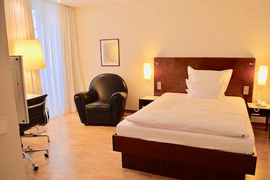 lobby bild von grand hotel mussmann hannover tripadvisor. Black Bedroom Furniture Sets. Home Design Ideas