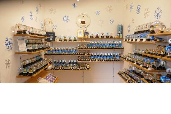 Original Vienna Snowglobe Factory