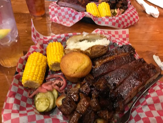 Famous Dave's Barbeque: St Louis ribs and Brisket Tips