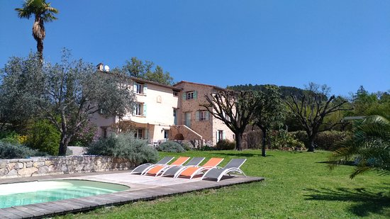 Tourrettes, France: L'Escale Provençale et sa piscine