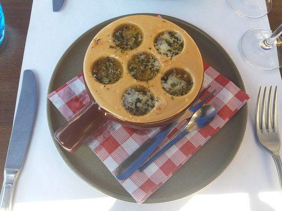 Le Provençal : Cassolette d'escargot_large.jpg