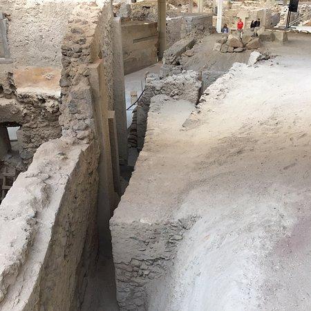 Akrotiri Archaeological Site: photo8.jpg