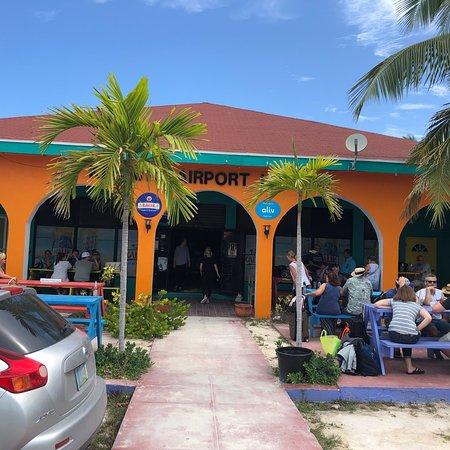 Kermit's Airport Lounge, Great Exuma - Restaurant Reviews