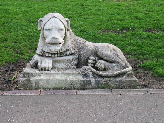 Leazes Park: Leazes' lion