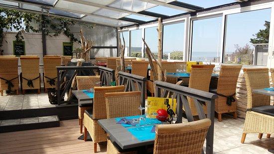Terrasse couverte - Picture of La Playa, Saint-Georges-de-Didonne ...