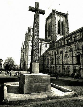 Durham Cathedral: DSCN1017_large.jpg