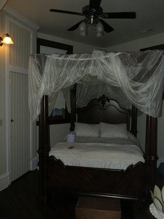 Arcadia, MO : Beautiful comfy beds