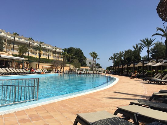 Insotel Cala Mandia Resort & Spa: Block A pool