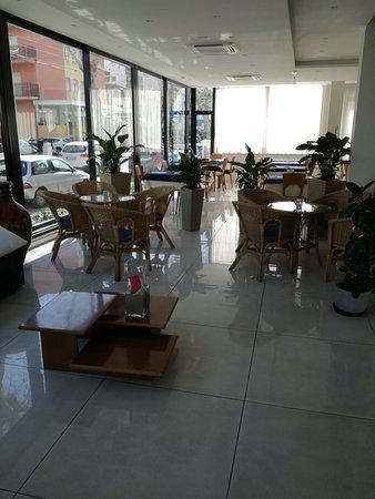 Hotel Astra: IMG_20180402_101455_large.jpg
