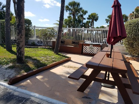 Gulf Beach Resort Motel: Very nice beach motel.