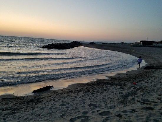 Hotel Riviera: Beach is 5 mins away