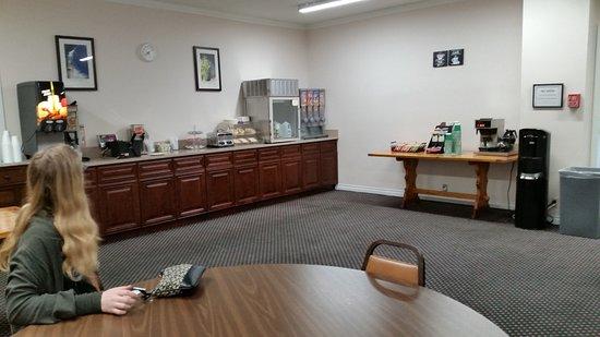 Enumclaw, WA: Breakfast room.