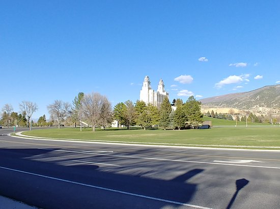 Manti, UT: This is the view from in front of the B&B.