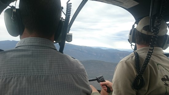 Grampians, ออสเตรเลีย: In the helicopter with Nick and Justin