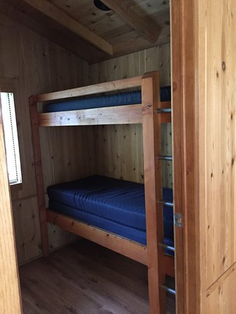 Burney, CA: right side of bedroom, bottom bunk had extra pad