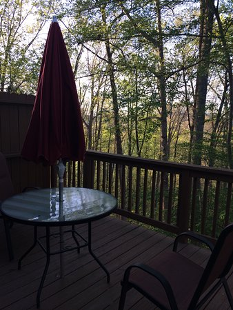Mountain Top Lodge at Dahlonega: Porch was cozy and quiet