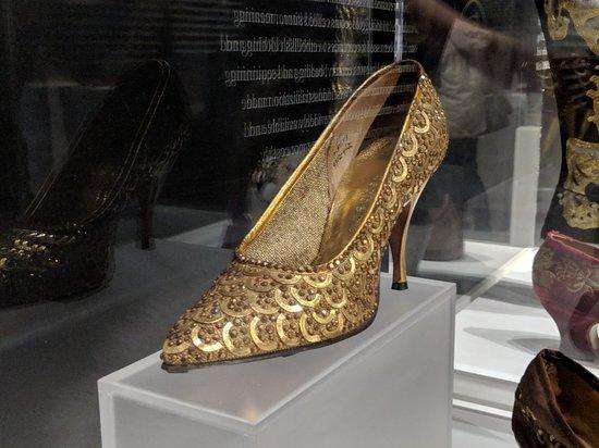 Bata Shoe Museum: MVIMG_20180422_143254_large.jpg