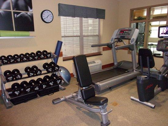 Roselle, IL: Health club