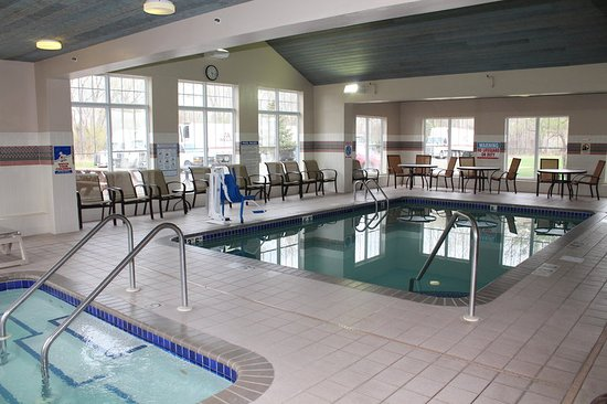 Brooklyn Center, MN: Pool