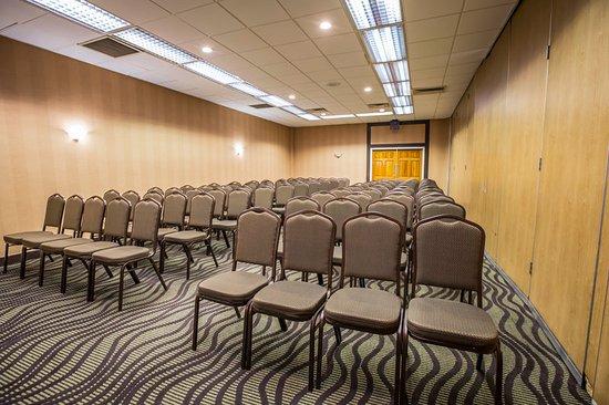 Fletcher, Karolina Północna: Meeting room