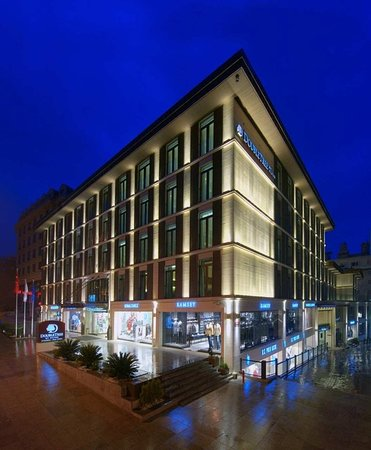 DoubleTree by Hilton Istanbul - Old Town: Exterior
