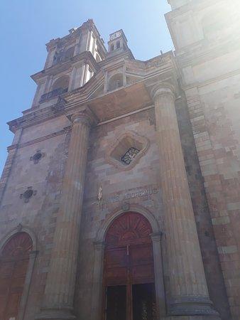 Valle de Bravo, Mexico: parroquia