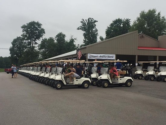 Seymour, IN: Shadowood is a great course to host your outing!