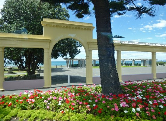 Marine Parade: Waterfront area