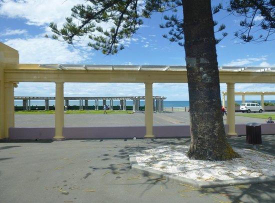 Marine Parade: Waterfront area
