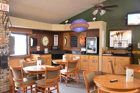 Kasson, MN: Breakfast Area