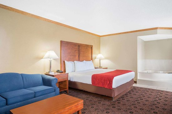 Kasson, MN: King Suite