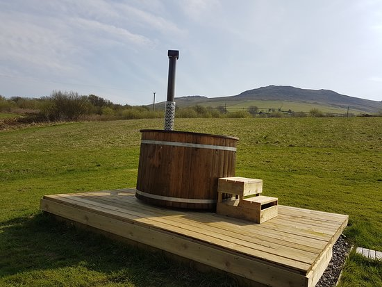 Clynnogfawr, UK: PrivATE WOOD FIRED HOT TUB
