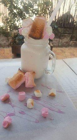 Benoni, Sudáfrica: Mallow Madness- Our roasted marshmallow gourmet milkshake