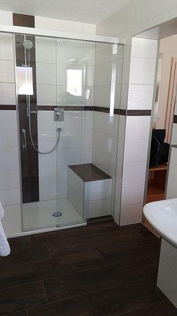 Laufenburg, Tyskland: modernes Badezimmer