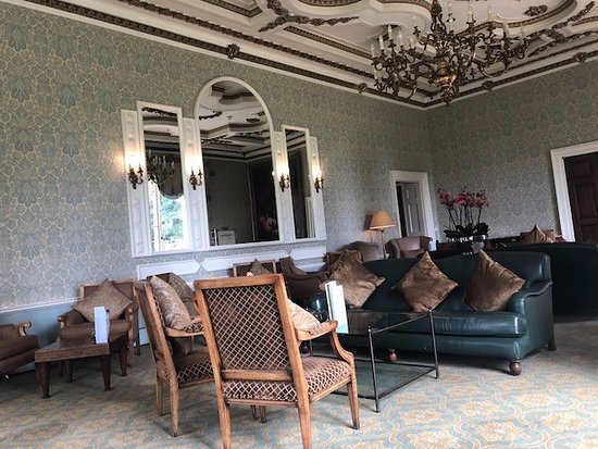 Alderminster, UK: The Drawing Room - Were we had lunch