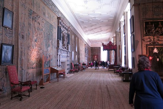 Long Gallery Picture Of Hardwick Hall And Gardens Chesterfield
