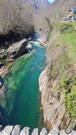 Lavertezzo, Sveits: 20180418_125206_large.jpg