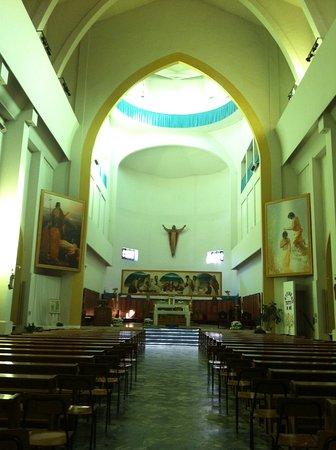 Tavazzano con Villavesco, Ý: Interior da igreja