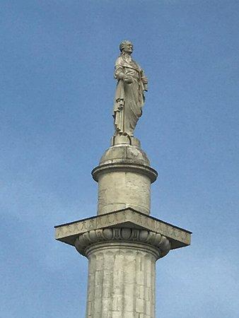 Estatua de Luis XVI de Francia, Nantes, Francia. - Picture of Statue ...