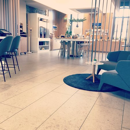 Novotel Saint Brieuc Centre Gare: L'hôtel et le restaurant