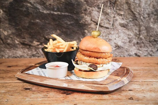 99 Bar Kitchen In House Made Hand Pressed Back Wynd Burger