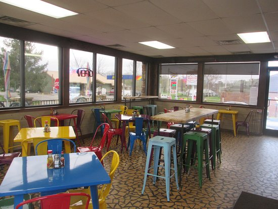"""Morganton, جورجيا: Our indoor seating area, perfect place to enjoy our """"Original"""" Philly Cheese Steak."""