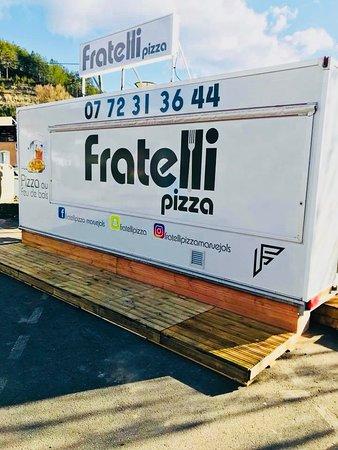 Marvejols, France: Fratelli pizza