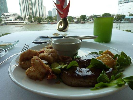 Lord Jim's at Mandarin Oriental, Bangkok: フォアグラとソテーした好物のエビ