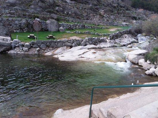 Loriga, Portugal: Acessos