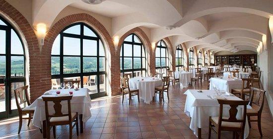 """Санта-Виттория-д'Альба, Италия: Salone delle Feste Ristorante """"Al Castello"""""""