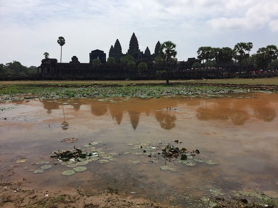 Full-Day Temples of Angkor Small Group Tour: Popular photo spot to get reflection of temple