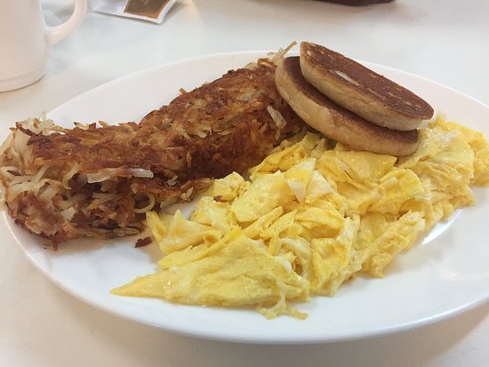 Plaistow, NH: yummy hash browns, Eggs & grilled english
