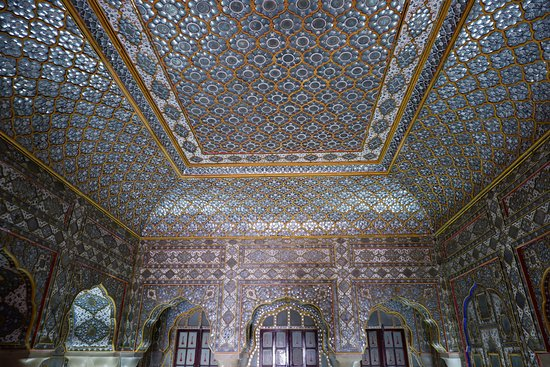 Chandra Mahal: One of the room inside the palace
